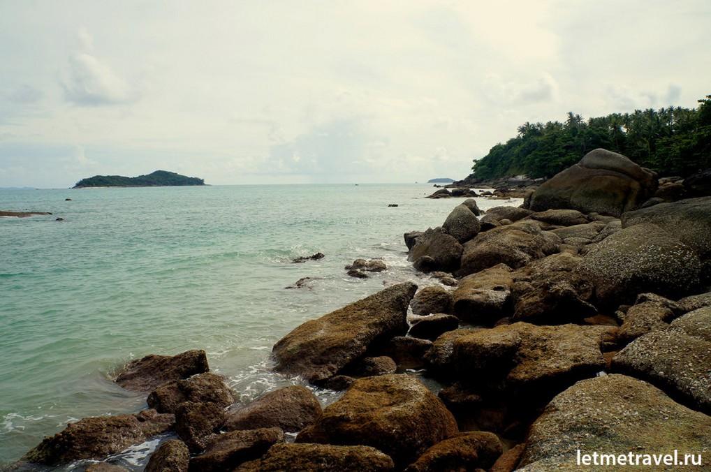 Каменистый пляж Лаем Ка