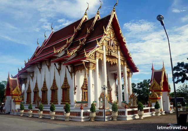 Главный храм Wat Chalong
