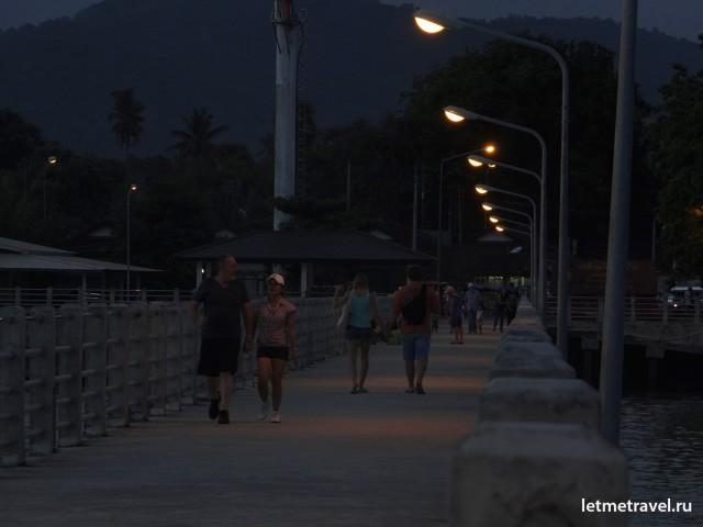 Вечер на пляже Раваи