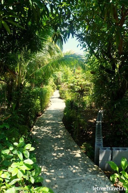 Уютный садик в комплексе Palai Green
