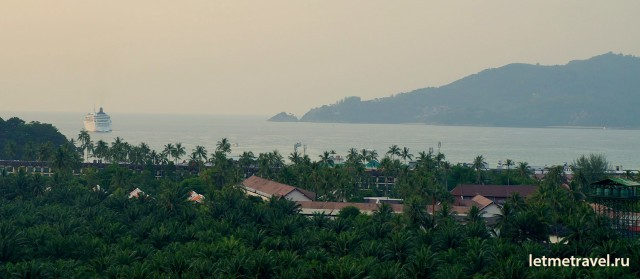 Вид на бухту Патонг